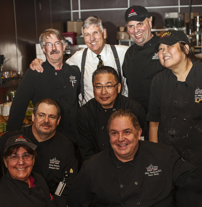 Graham_Kerr_with_Tulalip_Chefs_800.jpg